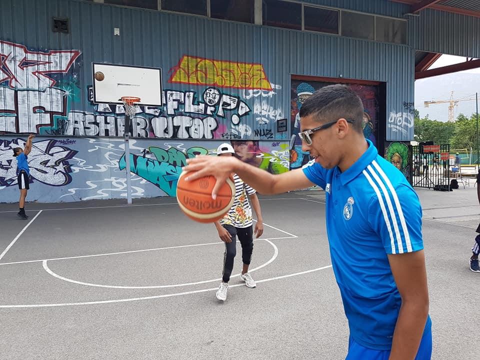 """La première édition du « Pass'sport festival » de Grenoble a ouvert """"la semaine des réfugiés"""" du 20 au 26 juin"""