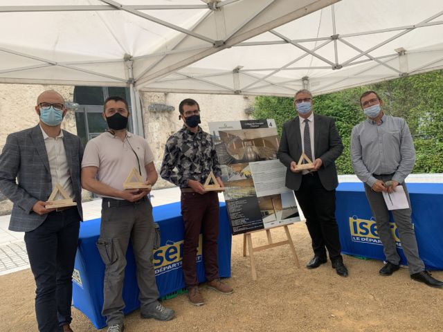 Cérémonie des Prix de la construction bois Isère 2021, en présence du président du Département Jean-Pierre Barbier © Département de l'Isère