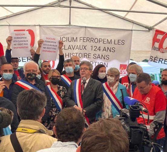 Plusieurs élus de gauche étaient sur place lors de la visite de Jean-Luc Mélenchon. © Photo Facebook Guillaume Gontard