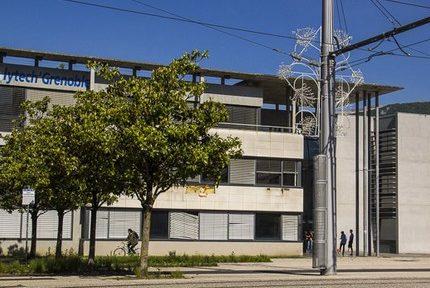 Le bâtiment Polytech de Grenoble INP-UGA fermé en raison de taux (légers) de dichlorométhane dans l'air ambiant