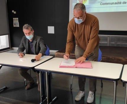 Premières signatures d'adhésion pour les communes lauréates du programme Petites villes de demain