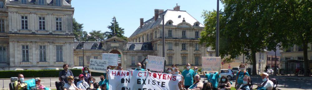 Manifestation Allocation aux adultes handicapés, 17 juin 2021, Place Verdun (c) Emma Venancie-Place Gre'net