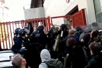 """Intervention """"musclée"""" des forces de l'ordre pour débloquer le lycée Stendhal de Grenoble mardi 18 mai"""