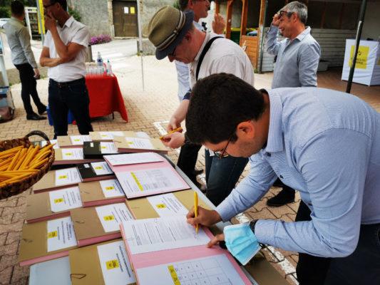 Les maires de 23 communes de la Métropole ont signé la charte d'engagement lumière. © Joël Kermabon - Place Gre'net