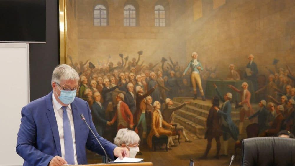Jean-Pierre Barbier lors de son allocution après sa réélection à la tête du conseil départemental de l'Isère © Place Gre'net