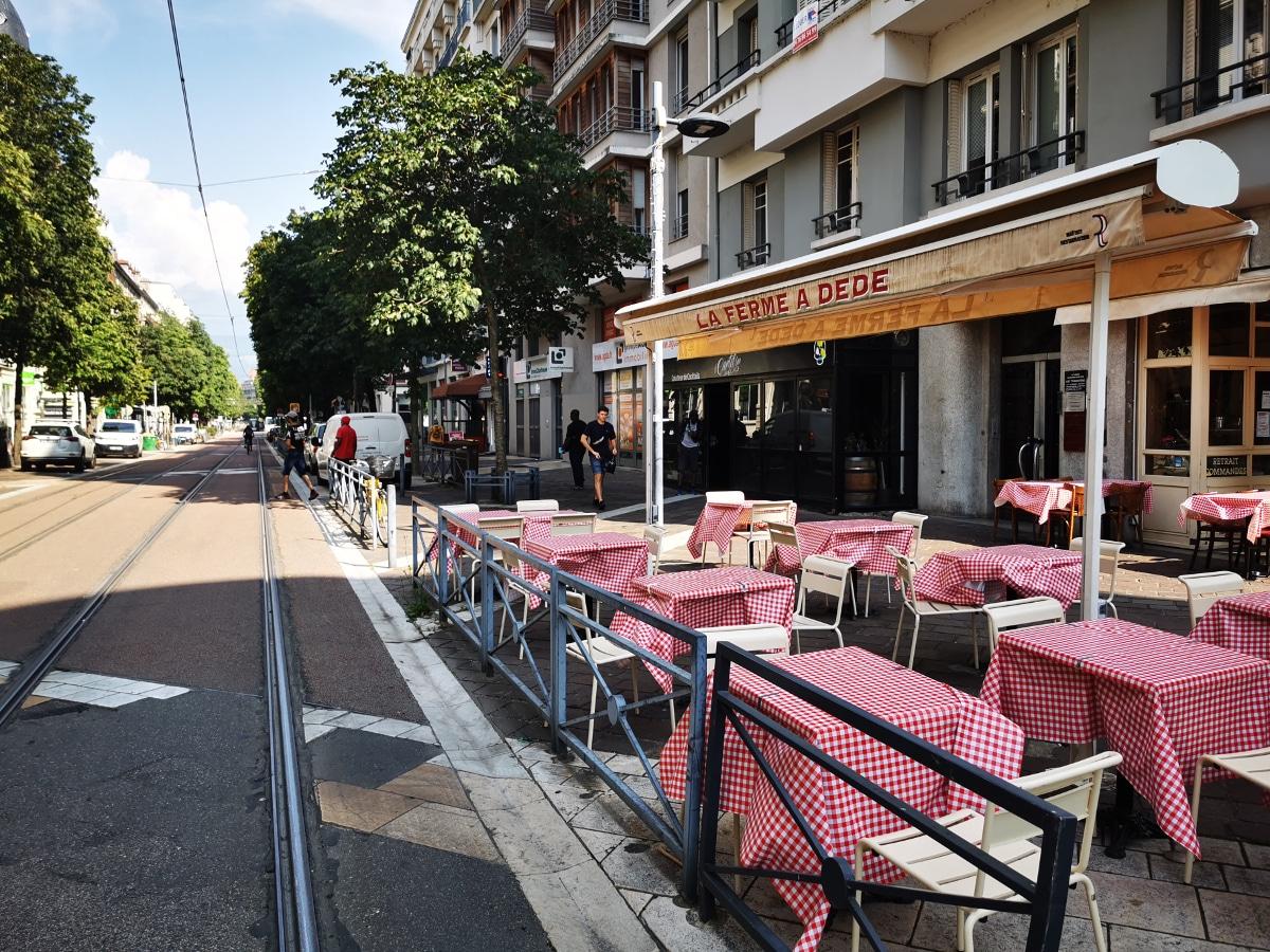 Les commerçants du quartier Alsace-Lorraine sont à bout du fait des marginaux alcoolisés