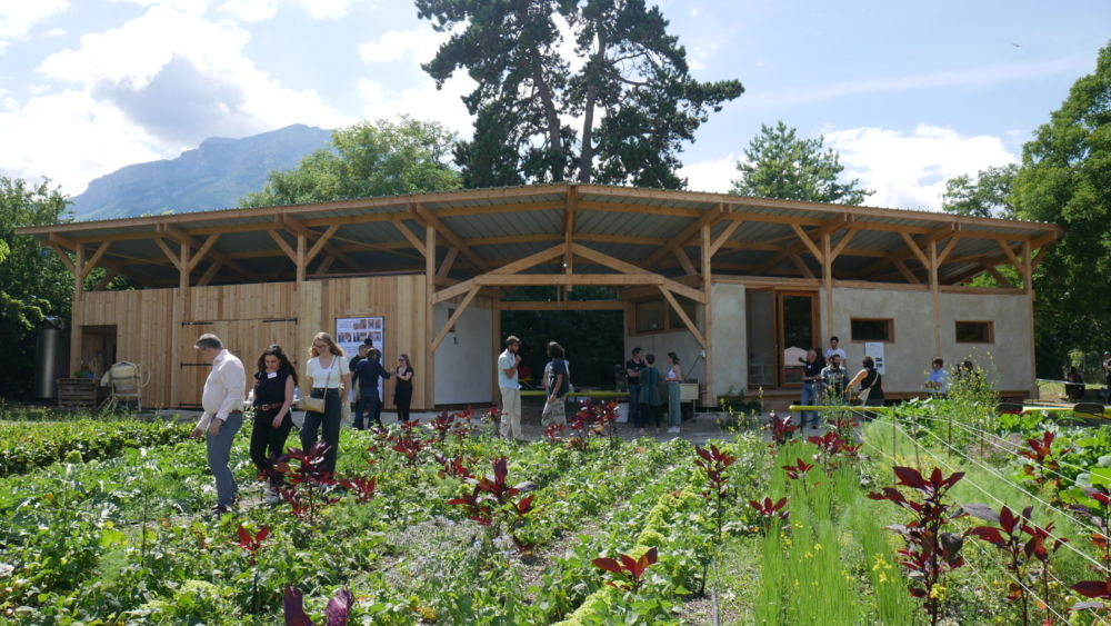 La ferme des Mille-Pousses inaugure ses bâtiments. Batiments de la ferme Mille-Pousse lors de leur inauguration le vendredi 9 juillet 2021 (c) Ilan Khalifa--Delclos | Place Gre'net
