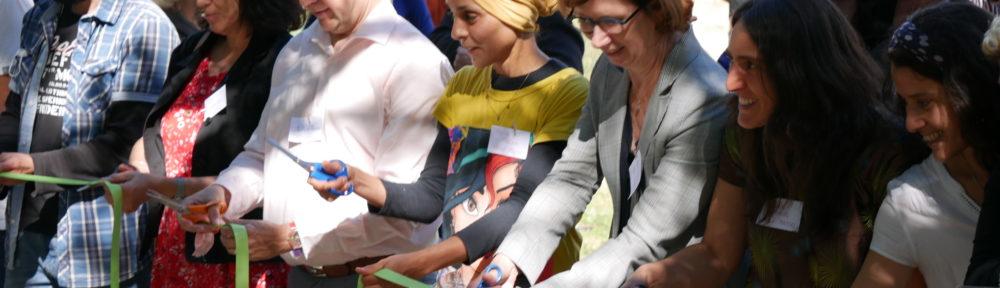 Coupage du ruban pendant l'inauguration de la ferme des Mille-pousses le vendredi 9 juillet 2021 (c) Ilan Khalifa--Delclos | Place Gre'net