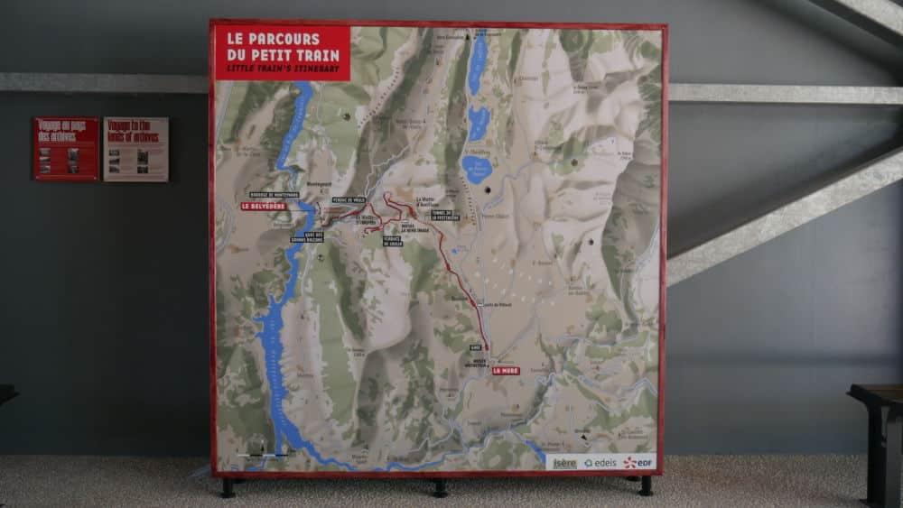 Carte du parcours du petit train de la Mure présent dans la boutique lors de son lancement le 20 juillet 2021 (c) Ilan Khalifa--Delclos | Place Gre'net