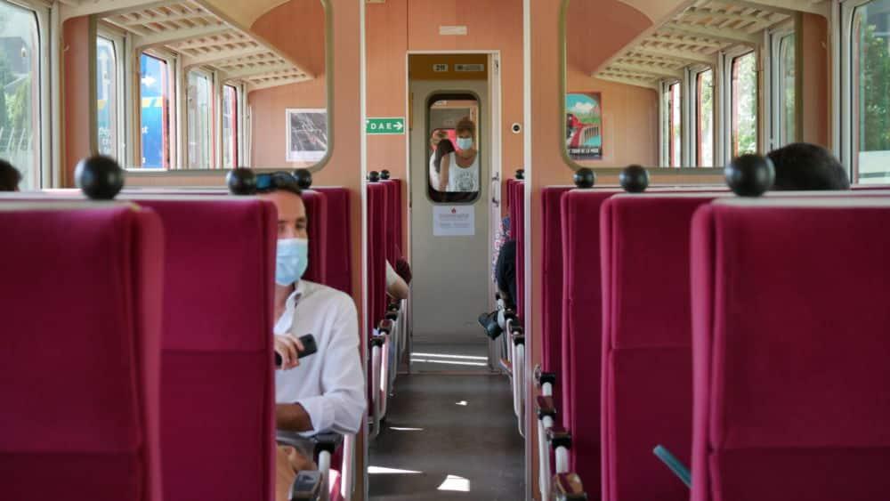 Intérieur d'une nouvelle cabine du petit train de la Mure lors de son lancement le 20 juillet 2021 (c) Ilan Khalifa--Delclos | Place Gre'net