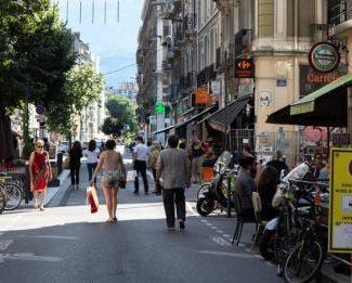 La Ville de Grenoble relance ses piétonnisations estivales sur les quais, Championnet et cours Berriat