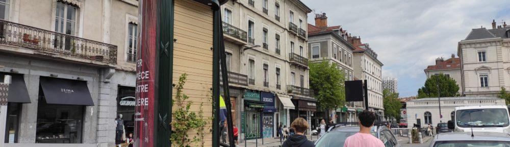 Les colonnes Morris estampillées JCDecaux de retour à Grenoble sept ans après leur disparition
