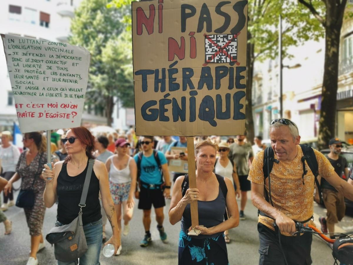 Manifestation contre le passe sanitaire et l'obligation vaccinale du 14 août 2021. © Joël Kermabon - Place Gre'net