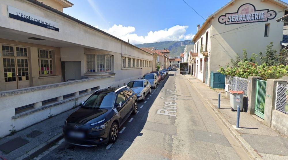 Vue de la rue Cuvier (avant piétonnisation) via Google Maps