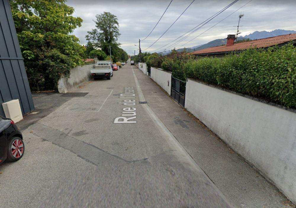 La violente agression au couteau de l'octogénaire a eu lieu rue de l'Oisans à Échirolles © Capture d'écran Google Maps