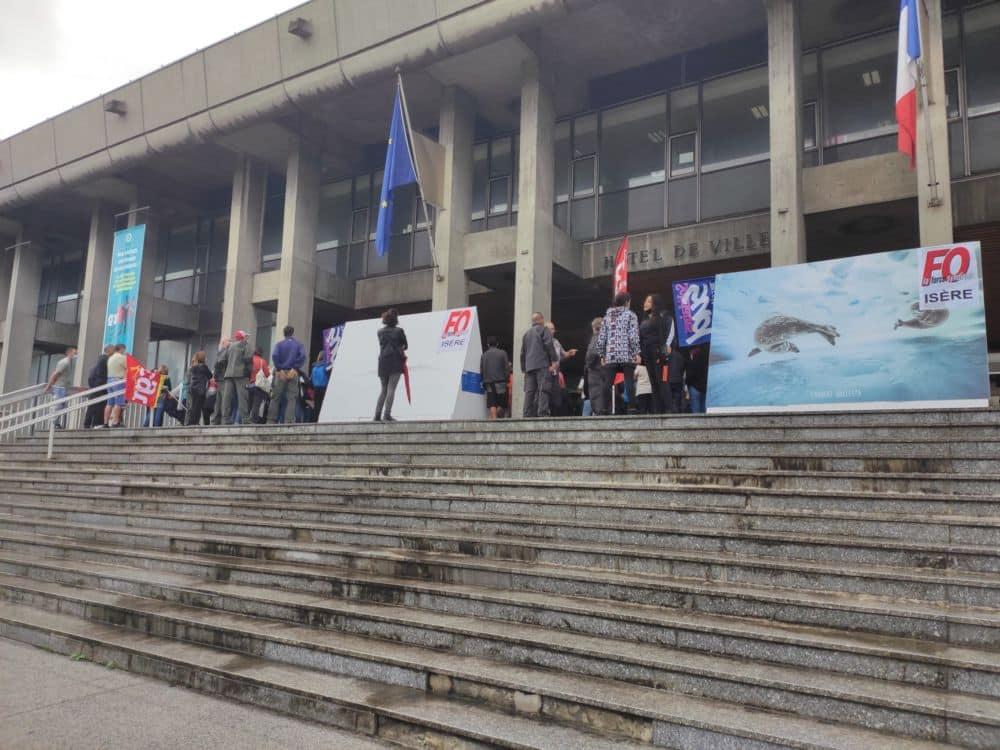 Les agents de Grenoble votent un mouvement de grève contre le passage aux 1607 heures annuelles