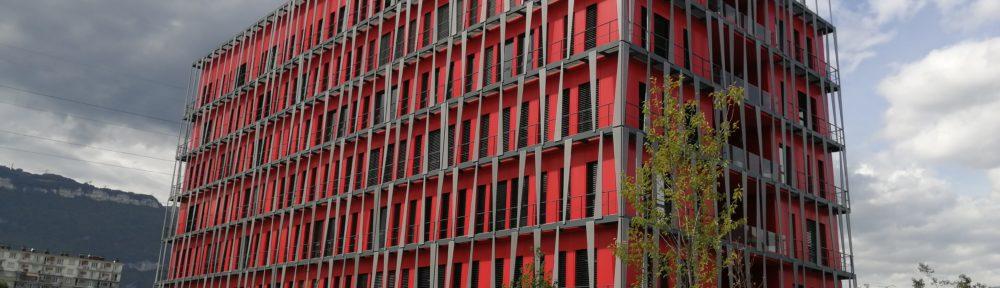 La Caisse d'Epargne a inauguré le 14 septembre 2021, à Bouchayer-Viallet, son nouveau site grenoblois, Alpes City, un bâtiment certifié HQE.