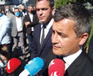 Gérald Darmanin, ministre de l'Intérieur aux côtés d'Olivier Véran, le ministre de la Santé lors du point de presse. © Joël Kermabon - Place Gre'net