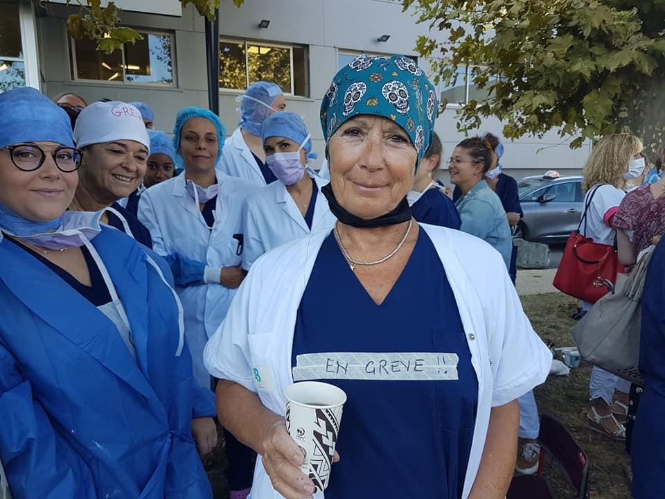 Grève du personnel soignant de la clinique Belledonne de Grenoble, lundi 13 septembre 2021 © Séverine Cattiaux - Place Gre'net