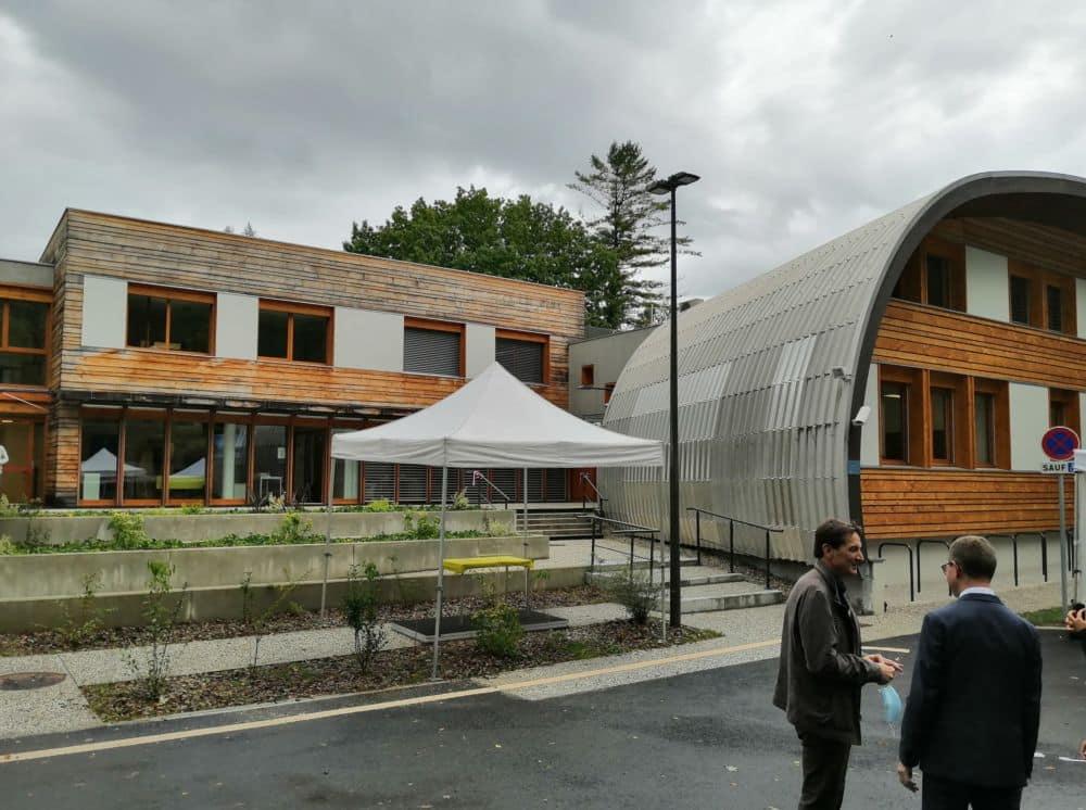Le Service technique des remontées mécaniques et des transports guidés (STRMTG) a inauguré, le 16 septembre 2021, les nouveaux locaux du siège et du bureau sud-est, à Saint-Martin-d'Hères.