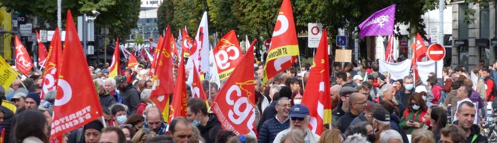 Entre 1400 et 3000 personnes ont manifesté ce mardi 5 octobre 2021 à Grenoble dans le cadre de la journée de grève nationale. © Paul Turenne - Place Gre'net