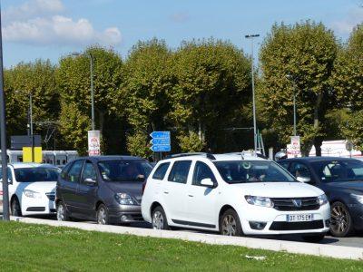Bouchon de voitures vers la Porte de France à Grenoble. © Elodie Rummelhard - placegrenet.fr