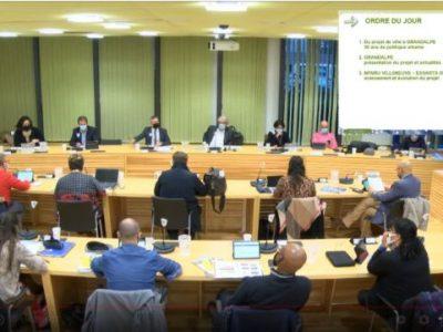 Le conseil muncipal du lundi 15 mars a eu lieu en présence du président de la Métropole Christophe Ferrari . © Capture d'écran