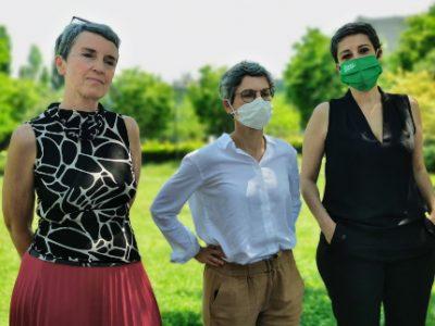De gauche à droite, Fabienne Grébert, Sandrine Rousseau et Myriam Laïdouni-Denis. © Joël Kermabon - Place Gre'net