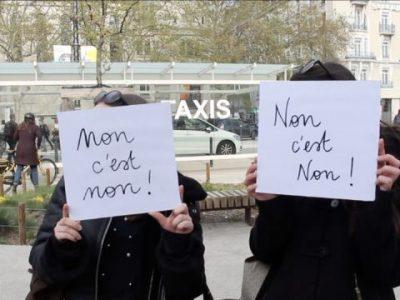 Théâtre forum devant la gare de Grenoble pour sensibiliser contre le harcèlement de rue.