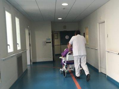 A Grenoble, le CHU s'allie avec le privé pour tenter de reprendre la clinique mutualiste. Et, derrière, le politique met la pression sur Adrea.