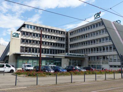 Ancien siège de la banque Crédit Agricole Sud Rhône-Alpes à Grenoble, désormais occupé par le CCAS de la Ville de Grenoble. © Elodie Rummelhard - placegrenet.fr