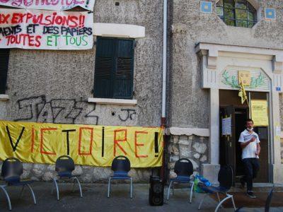 La ville de Grenoble s'est engagée à reloger les 54 occupants et à leur donner accès à un logement pérenne dans les deux mois.© Sarah Krakovitch - Place Gre'net