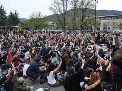 Alors que l'Université Grenoble-Alpes a fait débloquer majorité de ses sites, les étudiants manifestants annoncent de nouveaux blocages dès la rentrée.