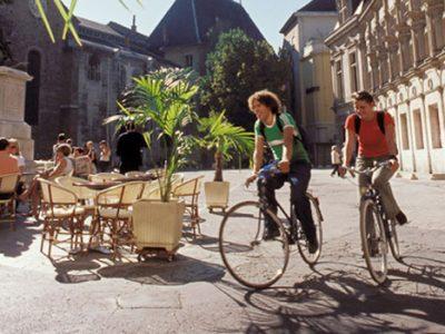 Etudiants à vélà. © Ecole2commerce.com