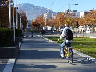 L'indemnité kilométrique vélo mise en place à Grenoble ne pourra toutefois pas être cumulée avec un abonnement dans les transports en commun.