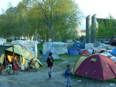 Expulsion camp Valmy - UNE - crédit Manuel Pavard