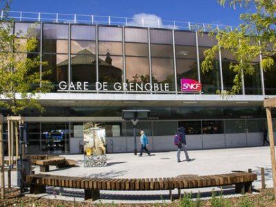 L'Assistant SNCF propose désormais des offres de trottinettes et vélos en libre-service