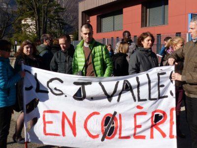 Les enseignants du collège Jules Vallès de Fontaine en grève © Anouk Dimitriou - placegrenet.fr