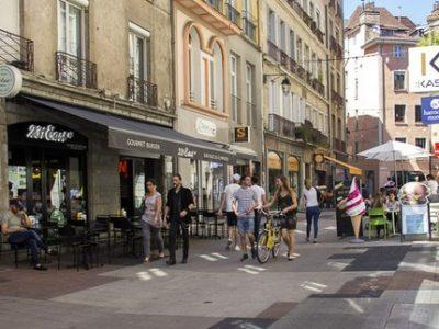 Grande rue Grenoble centre ville commerces couv