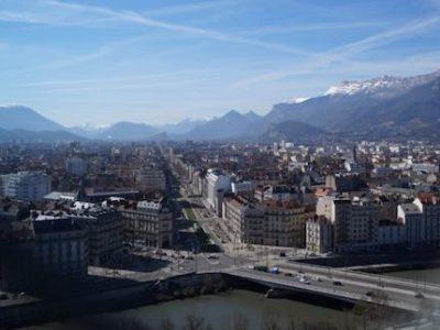 A un an des échéances municipales, la candidature de Grenoble au titre de capitale verte européenne en 2022 a comme un air de bilan pour le maire écologiste