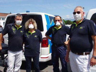 Les ambulanciers privés d'Ambulances des Alpes sont considérés comme chauffeurs routiers, et n'auront droit à aucune aide. © Anissa Duport-Levanti - Place Gre'net