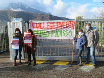 Mouvement de grève le mardi 1er décembre des assistants d'éducation. © Tim Buisson – Place Gre'net