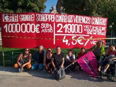 Rassemblement des collectifs féministes Gilets jaunes 38 et Nous TouStes38 place Victor Hugo le 3/09