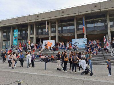 Les syndicats de la Ville de Grenoble dénoncent une