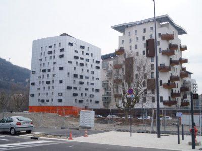 Immeuble en construction, dans le quartier Jean Macé, à Grenoble. © Léa Raymond - placegrenet.fr