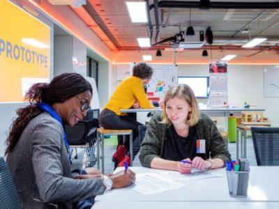 Le TIMLab est une salle immersive dédiée au design thinking. © Bruno Moyen - GEM