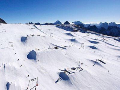Aux Deux-Alpes, la neige vaut son pesant d'or. De 2009 à 2016, 13 millions d'euros ont été reversés aux actionnaires de la Compagnie des Alpes.