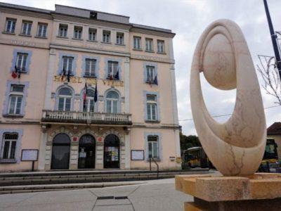 Mairie-de-Pont-de-Claix-©-Simon-Marseille-–-Place-Greu2019net-601x400-1