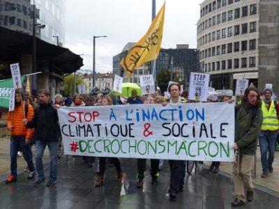 Manifestation décrocheurs 4 novembre Palais de Justice Grenoble UNE