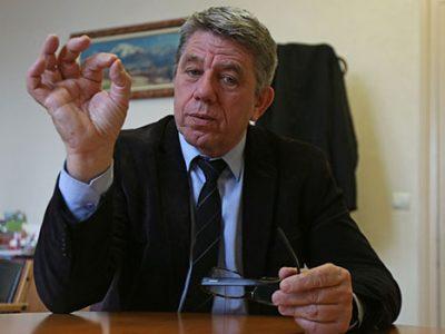 Le sénateur LR de l'Isère Michel Savin interpelle la ministre de la Transition écologique quant à l'avenir, en suspend, des concessions hydro-électriques.